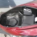 新車 ホンダ PCX150 レッド シートボックス