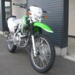 新車 カワサキ KLX125 グリーン フロントサイド