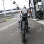 中古車 カワサキ 250TR ブラック/ホワイト フロントサイド