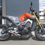 新車 ヤマハ MT-09 ABS オレンジ ライトサイド