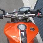 新車 ヤマハ MT-09 ABS オレンジ タンク周り