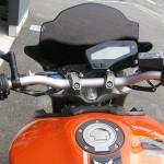 中古車 ヤマハ MT-09 ABS オレンジ ハンドル周り