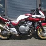 ホンダ 中古車 CB400スーパーボルドール VTEC REVO レッド/ホワイト ライトサイド