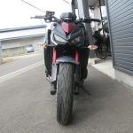 カワサキ Z1000ABS レッド/ブラック フロントサイド