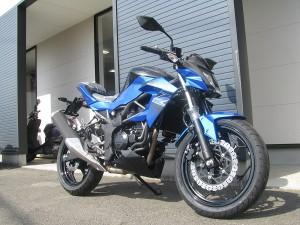 カワサキ Z250SL ブルー フロントサイド