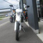 ホンダ CRF250L ホワイト フロントサイド2