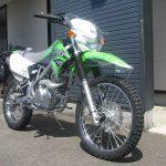 カワサキ KLX125 グリーン フロントサイド