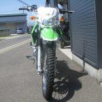 カワサキ KLX125 グリーン フロントサイド2