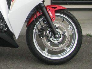ホンダ CBR250R トリコロール タイヤ