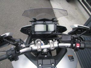 ヤマハ MT-09 トレーサー シルバー メーター周り