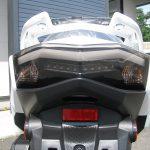 新車バイク ヤマハ シグナスX-SR ホワイト テールランプ
