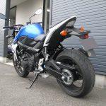 スズキ GSR750ABS ブルー/ホワイト 後ろ側