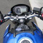 スズキ GSR750ABS ブルー/ホワイト メーターパネル オフ