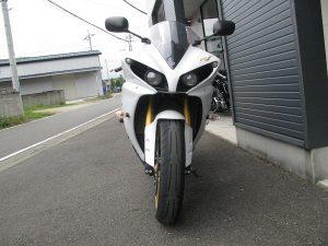 ヤマハ YZF-R1 ホワイト 前側①