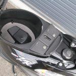 ヤマハ JOGZR(ジョグZR)ブラック シートボックス