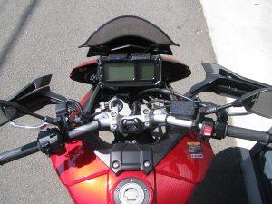 ヤマハ MT-09トレーサーABS レッド ハンドル周り(オプションのグリップヒーターが付いてます。)