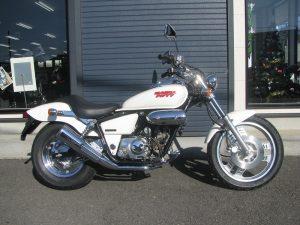 中古車バイク ホンダ マグナ50(MAGNA50) ホワイト みぎ側