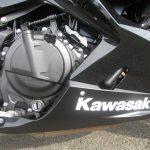 新車情報 2018年モデル カワサキ NINJA400ABS ブラック エンジン右側