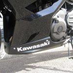 新車情報 2018年モデル カワサキ NINJA400ABS ブラック アンダーカウル左側