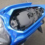 新車情報 カワサキ NINJA250 ブルー(2018年フルモデルチェンジ) タンデムシート下収納スペース