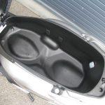 中古車 ホンダ リード125(LEAD125) シルバー シートボックス