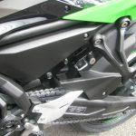 新車情報 カワサキ NINJA650 KRT Edition グリーン/ブラック ヘルメットホルダー