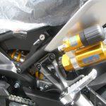 ヤマハ MT-09SP ABS シルバー/ブルー オーリンズ製リヤサスペンションのサブタンク