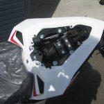 新車バイク ホンダ CBR250RR ABS ホワイト (2018年新色) タンデムシート下