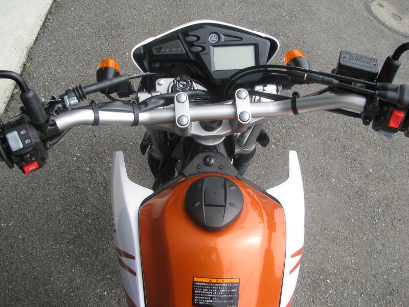新車情報 ヤマハ セロー250(2018年モデル)オレンジ メーター周り