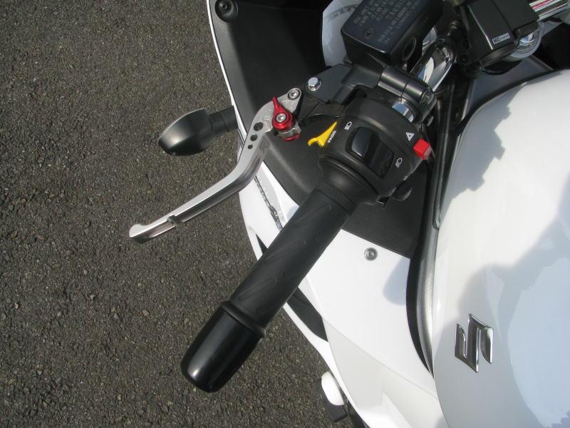 中古車情報 スズキ バンディット1250F_ABS ホワイト マフラー、3ボックス他オプション付き 5段階調整付クラッチレバー