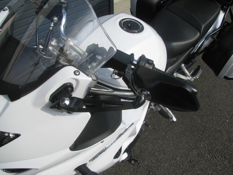 中古車情報 スズキ バンディット1250F_ABS ホワイト マフラー、3ボックス他オプション付き TANAX製ミラー