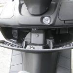 新車 スズキ バーグマン200 ホワイト グローブボックス