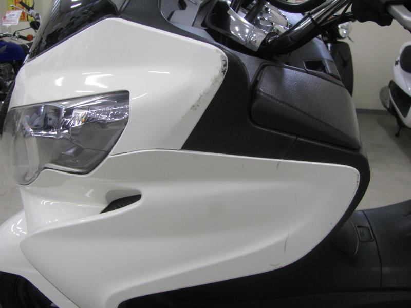 中古車情報 スズキ スカイウェーブ250 タイプS ホワイト 左アップカバーの傷
