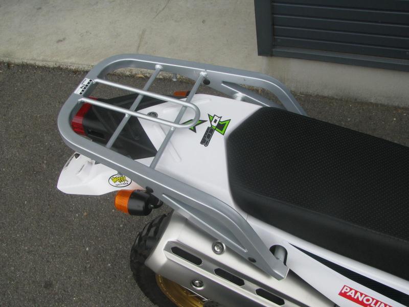 中古車 ヤマハ セロー250(FI)グリーン リアキャリア(オプション品)