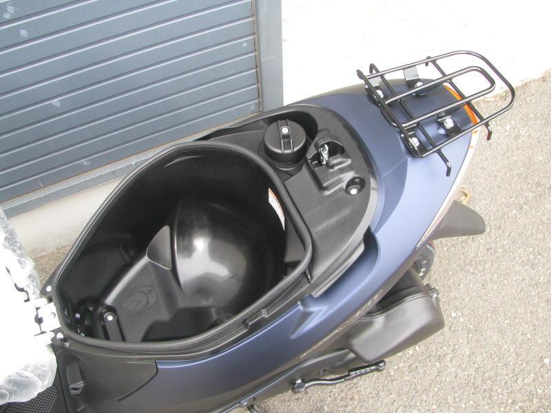 新車情報 スズキ アドレスV50 マットブルー シートボックス