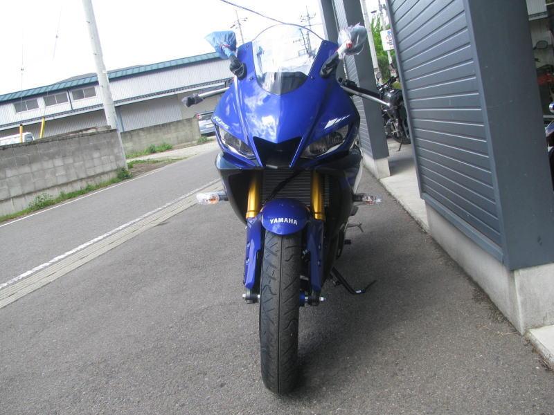 新車バイク ヤマハ YZF-R25 ABS(2019年モデル) ブルー まえ側