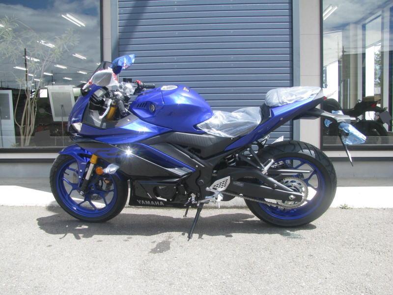 新車バイク ヤマハ YZF-R25 ABS(2019年モデル) ブルー ひだり側