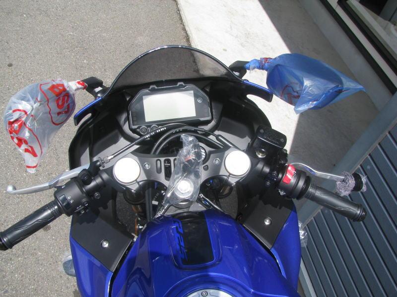 新車バイク ヤマハ YZF-R25 ABS(2019年モデル) ブルー メーターパネル