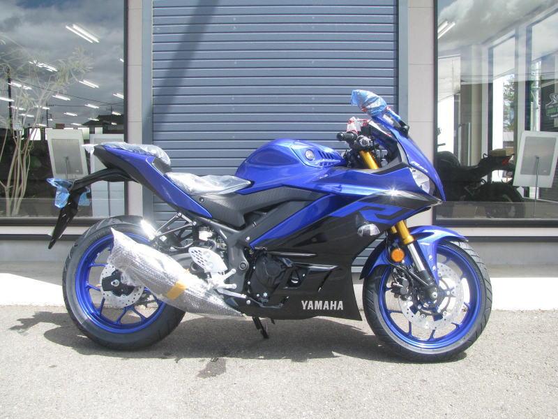 新車バイク ヤマハ YZF-R25 ABS(2019年モデル) ブルー みぎ側