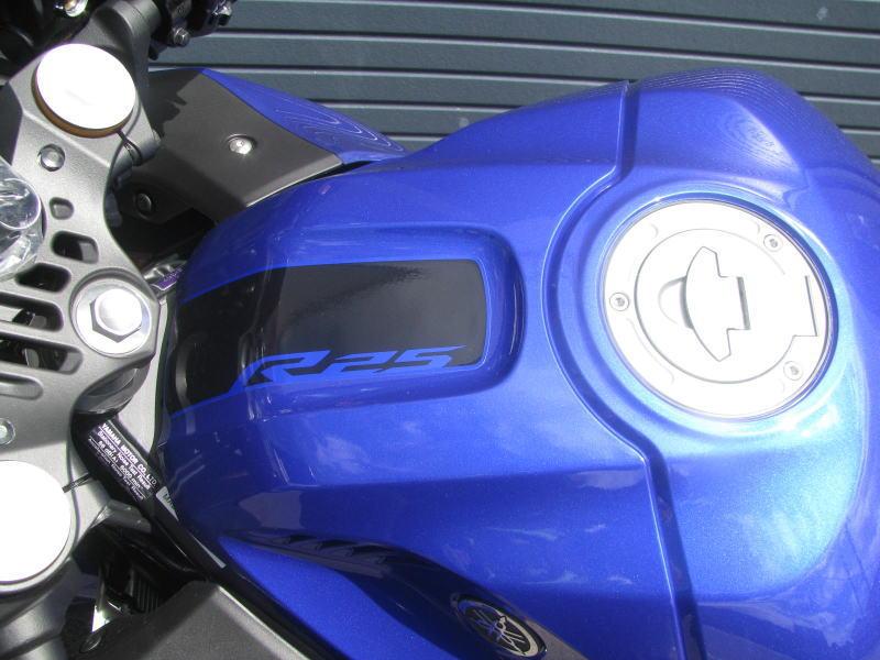 新車バイク ヤマハ YZF-R25 ABS(2019年モデル) ブルー タンク