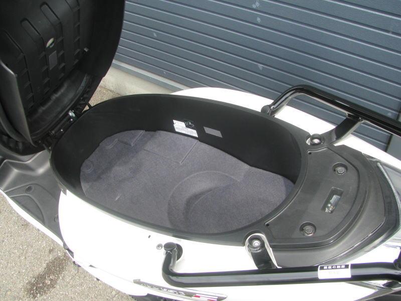 中古車情報 ヤマハ マジェスティS(155ccスクーター) ホワイト シートボックス
