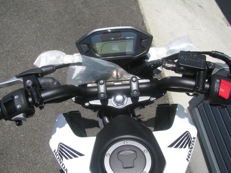 新車バイク ホンダ グロム(GROM) ホワイト メーター周り