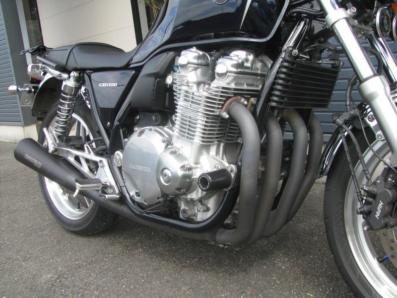 中古車 ホンダ CB1100 ABS ブルー エキゾーストマフラーみぎ側