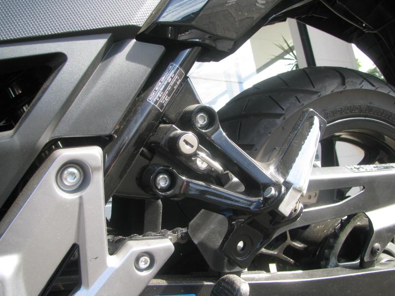 中古車 スズキ Vストローム250 イエロー/ブラック ヘルメットホルダー(社外用品)