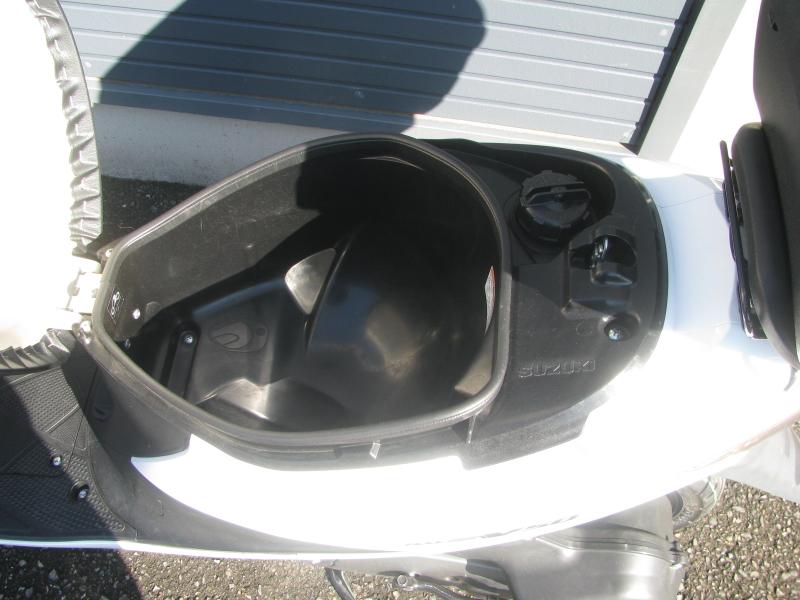 中古車 スズキ アドレスV50 ホワイト シートボックス