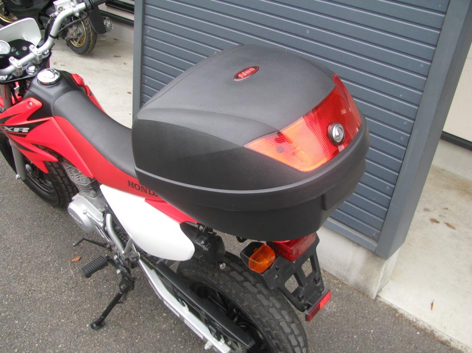 中古車バイク ホンダ XR50モタード(XR50motard) レッド トップボックス