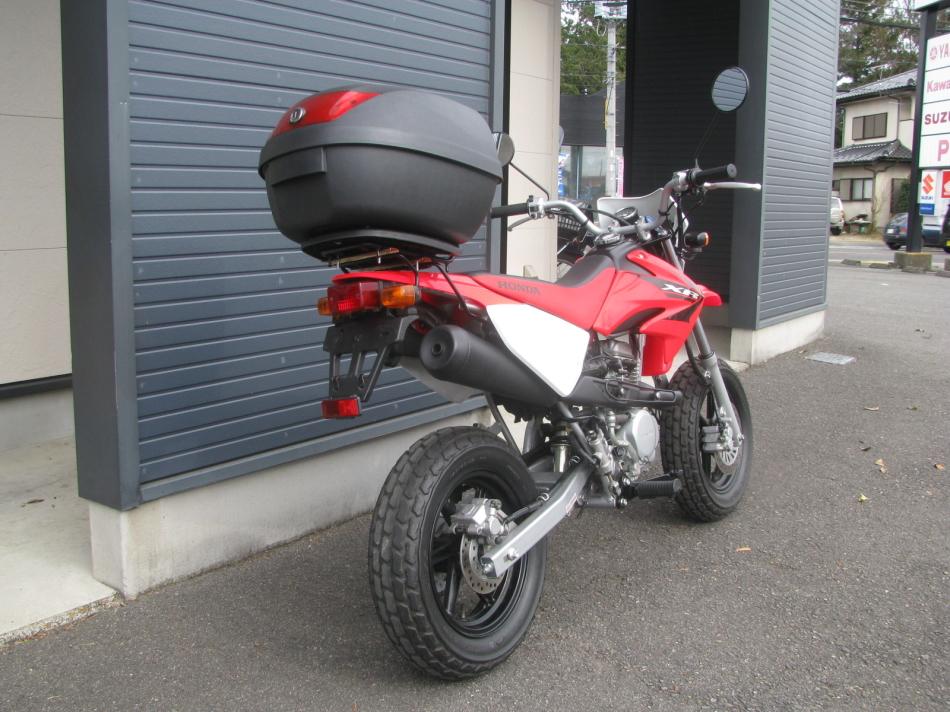 中古車バイク ホンダ XR50モタード(XR50motard) レッド 右うしろ側