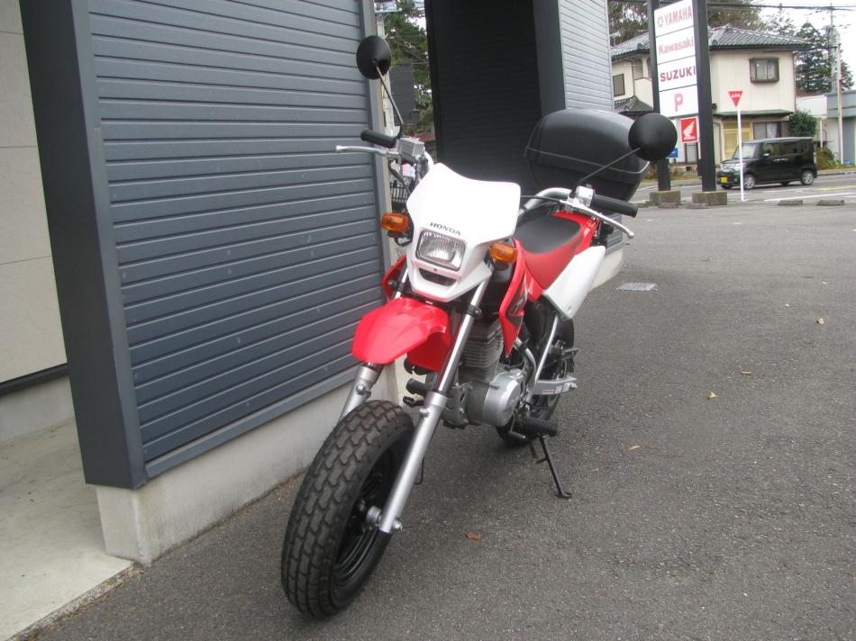 中古車バイク ホンダ XR50モタード(XR50motard) レッド 左まえ側