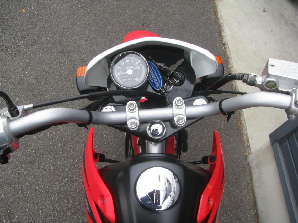 中古車バイク ホンダ XR50モタード(XR50motard) レッド メーター周り