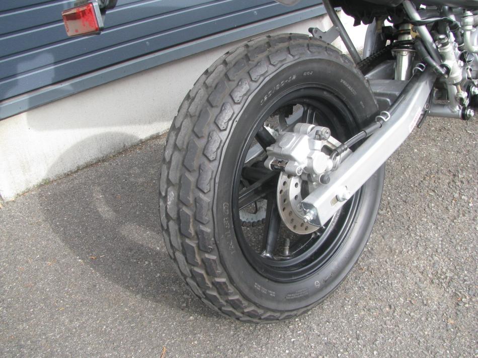 中古車バイク ホンダ XR50モタード(XR50motard) レッド リヤタイヤ後ろ側